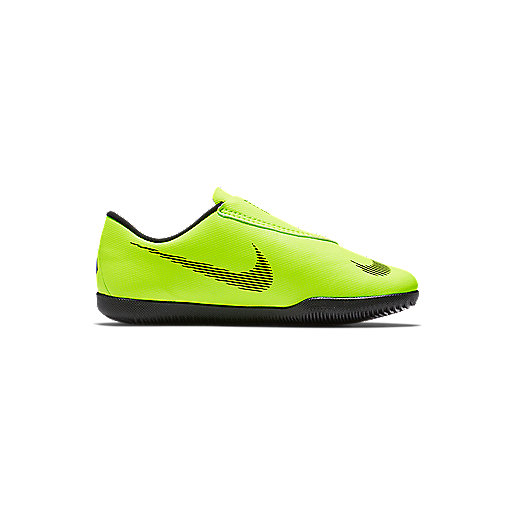 sports shoes fa4d3 faefa Chaussures de football enfant Vapor 12 Club Multicolore AH7356 NIKE