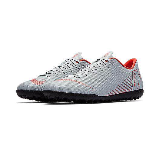 on sale 9de03 bef2c Chaussures de football homme VaporX 12 Club Multicolore AH7386 NIKE