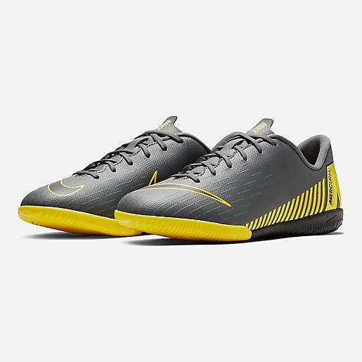 on sale 92f0d ccaae Chaussures de football stabilisées enfant Jr Vaporx 12 Academy Gs Ic NIKE