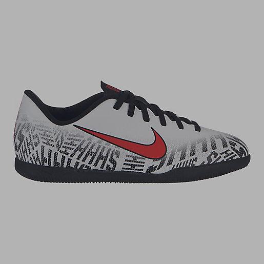 525dd1a237886 Chaussures de football stabilisées enfant Jr Vapor 12 Club Gs Njr Ic NIKE